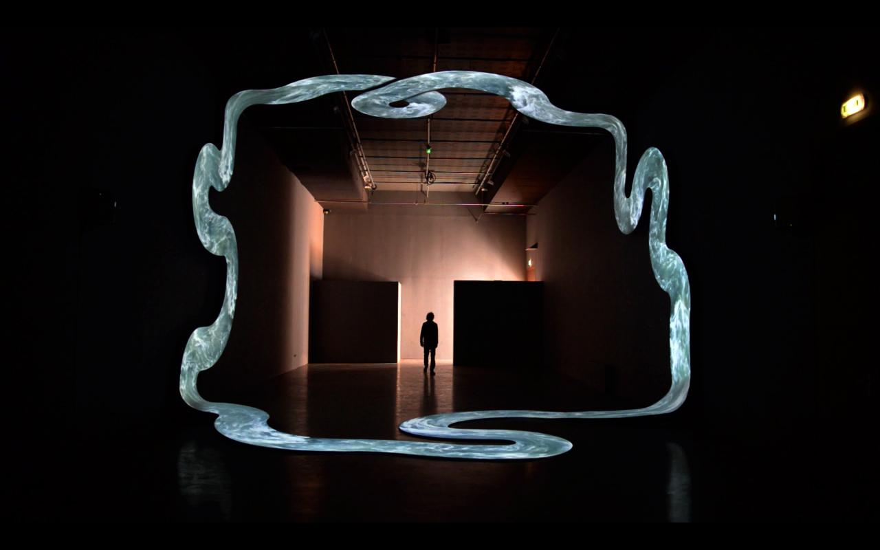 lupanar de nicolas tourte est une installation vidéo monumentale produite par Interstice / Station Mir en 2015